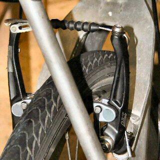 2002-2006Linear rear V brake s